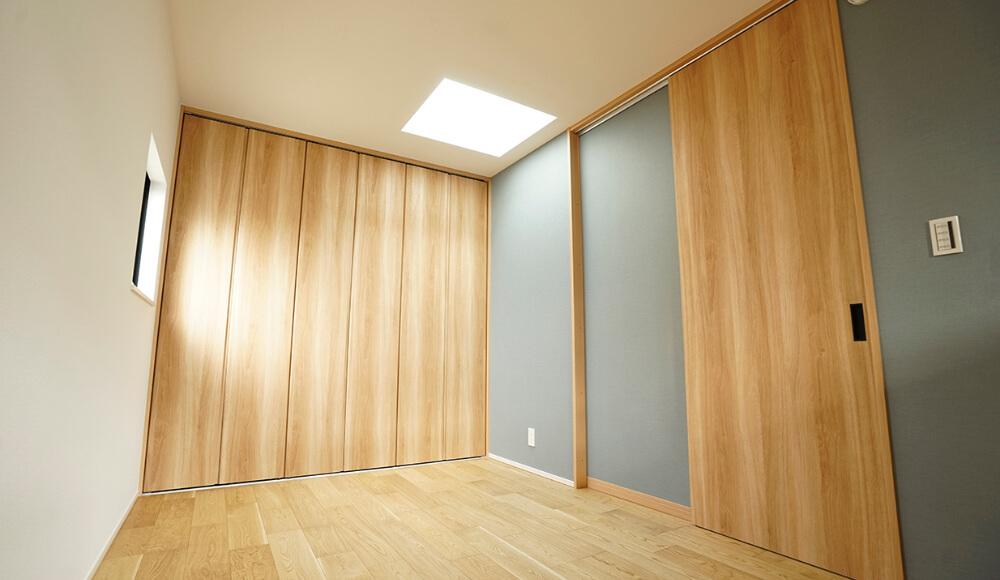 天然木を使用した室内ドア(フルハイドア)