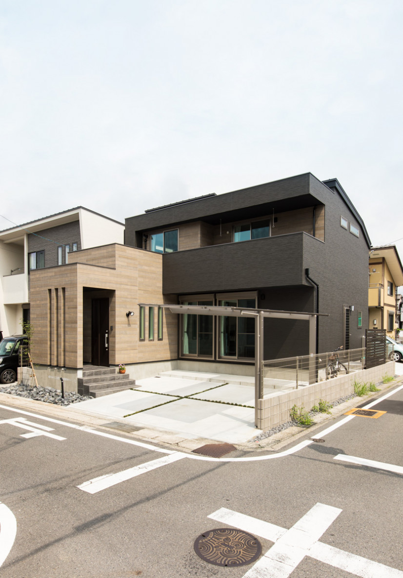 木目デザインの家