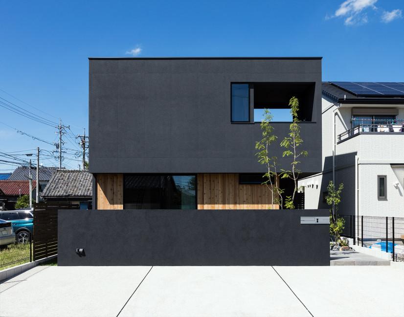 【凹】型の家