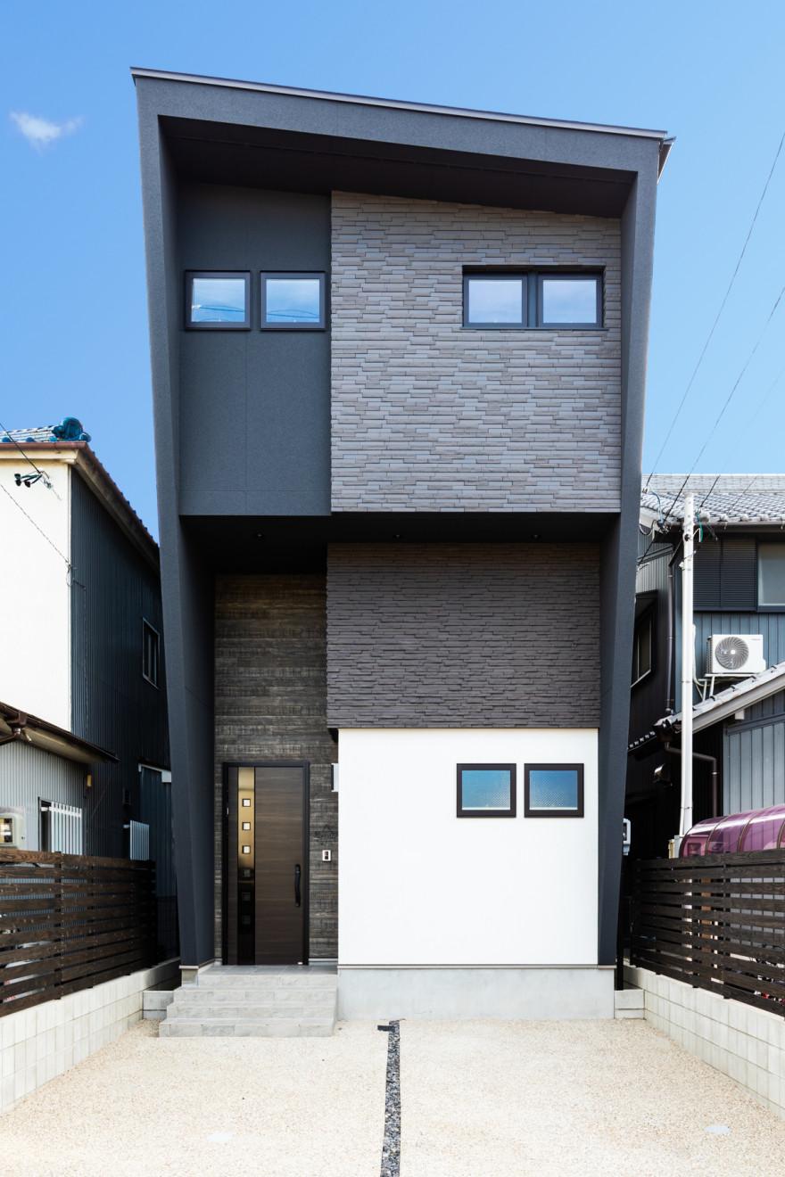 マットブラックの家