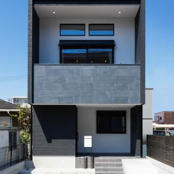眺望と大空間を楽しむ二階リビングの家